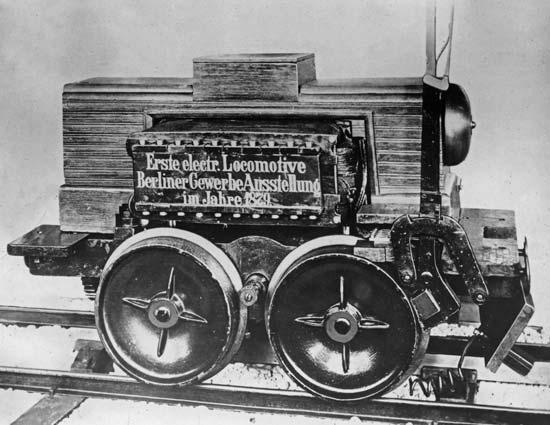 1879_electric_locomotive.jpg