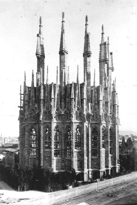 1893_Sagrada Família_1.jpg