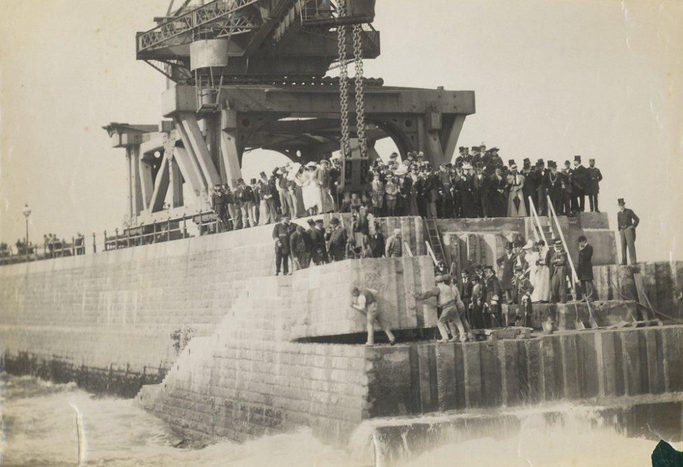 1895_crane_6.jpg