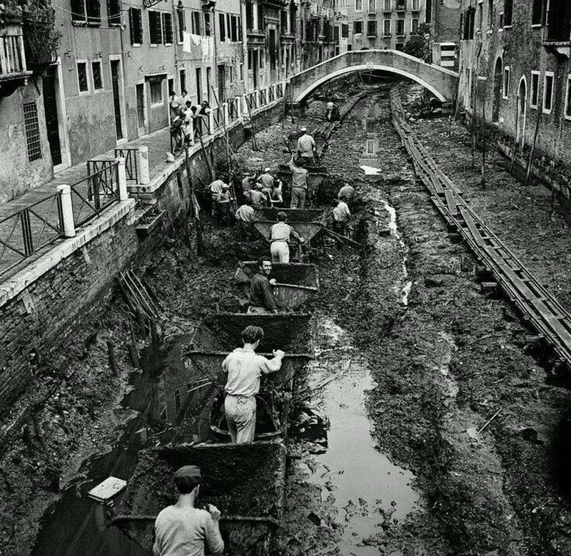 1956_venice_clean_up.jpg