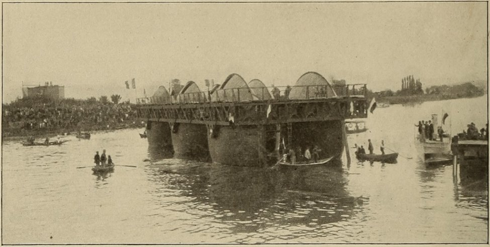 Bazin_Roller_Boat_-_Launch_-_Cassier's_1897-02.jpg