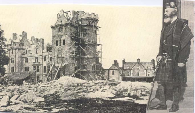 Beaufort_Castle_construction.jpg