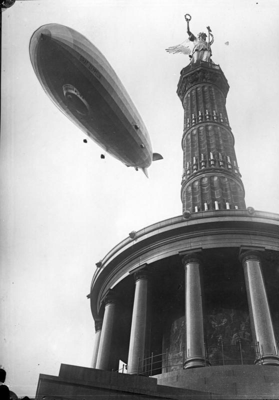Berlin,__Graf_Zeppelin.jpg