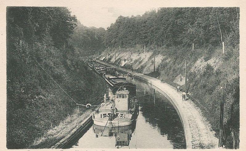 canal-trolley-boats-4.jpg