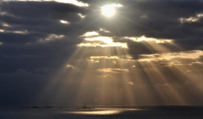 Crepuscular rays_1.jpg