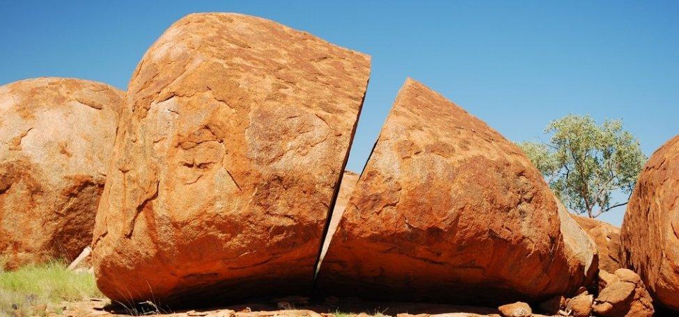 Devils-Marbles.-Australia2.jpg