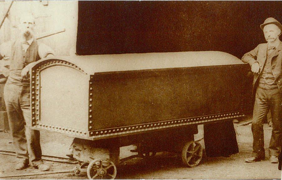 Grants_coffin.jpg