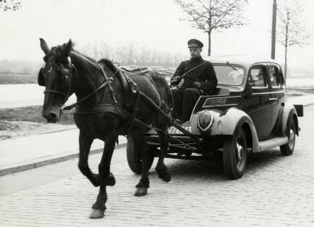 horsecar_1_1.jpg