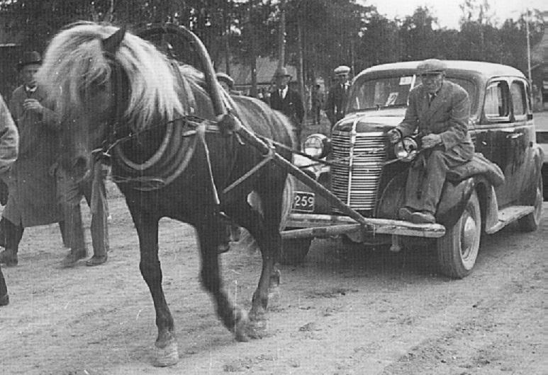 horsecar_1_4.jpg