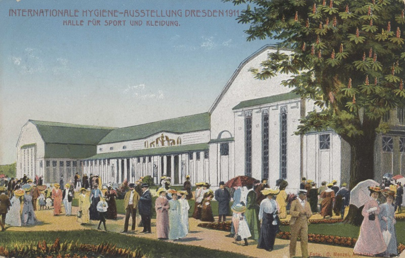 Hygiene_exhibition_1911,_hall_of_sport_and_clothes.jpg