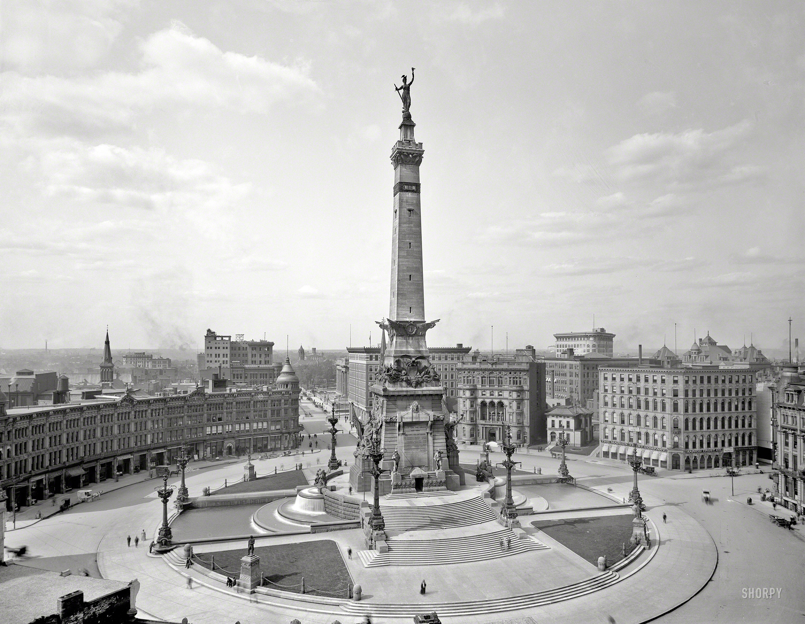 Indianapolis, Indiana, circa 1907. Soldiers and Sailors Monument.jpg