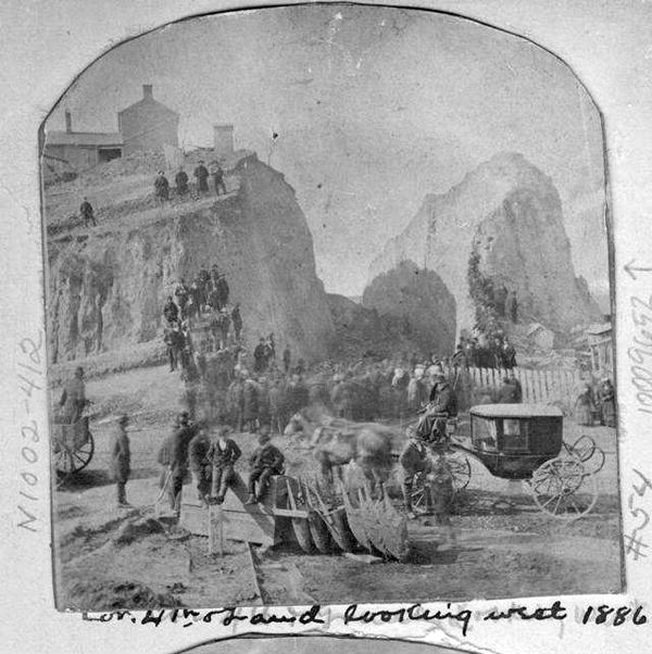 kcunbound-mar11-localhistory-irishkc-grand-4th.jpg