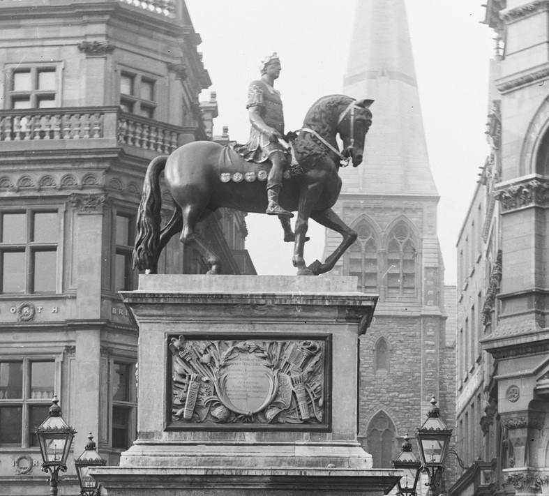 King_William_Statue_1.jpg