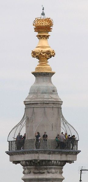 Monument to the Great Fire of London top.jpg