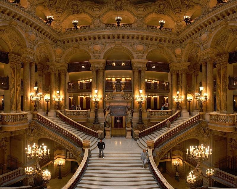 Opera_Garnier_Grand_Escalier.jpg