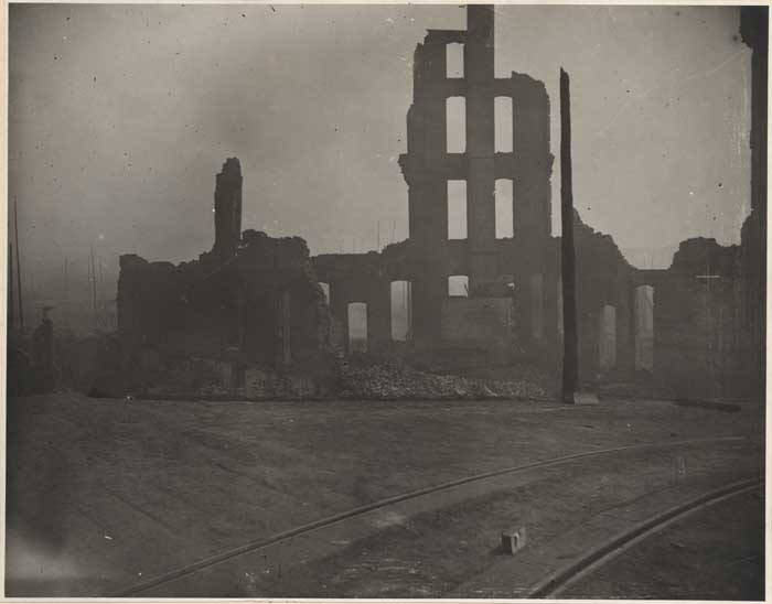 Ruins_of_Yesler-Leary_building,_1889.jpg