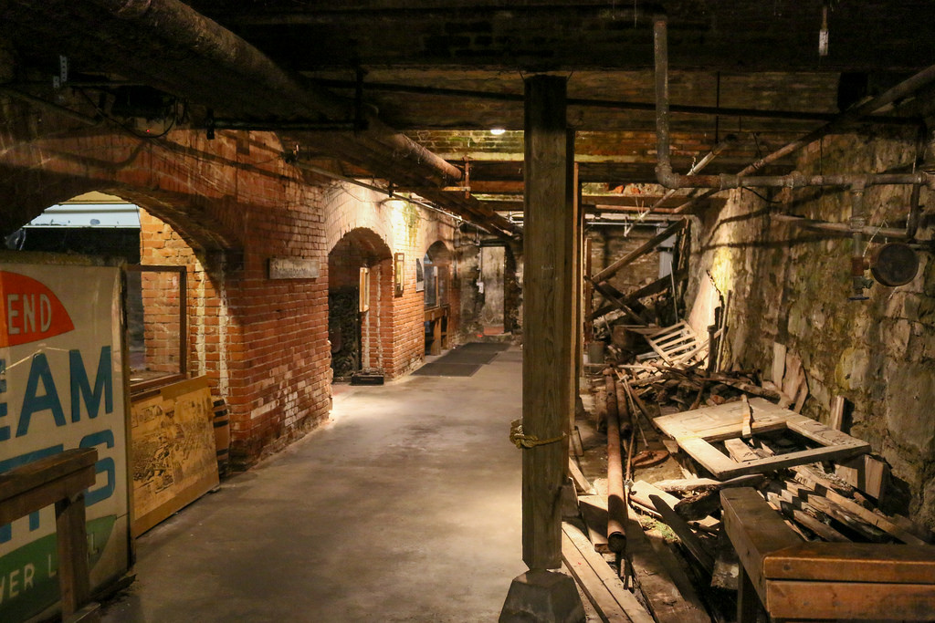 seattle_underground_1.jpg