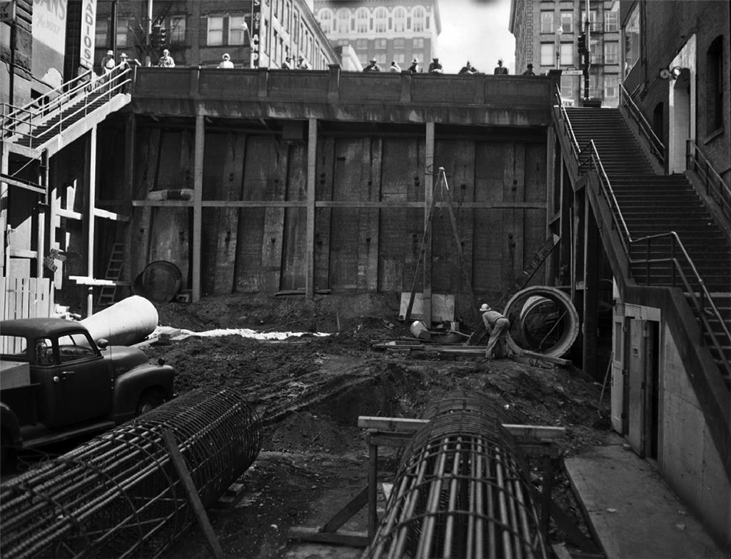 seneca-street-before-completion-of-ramp-to-alaskan-way-viaduct-seattle-june-30-1961.jpg