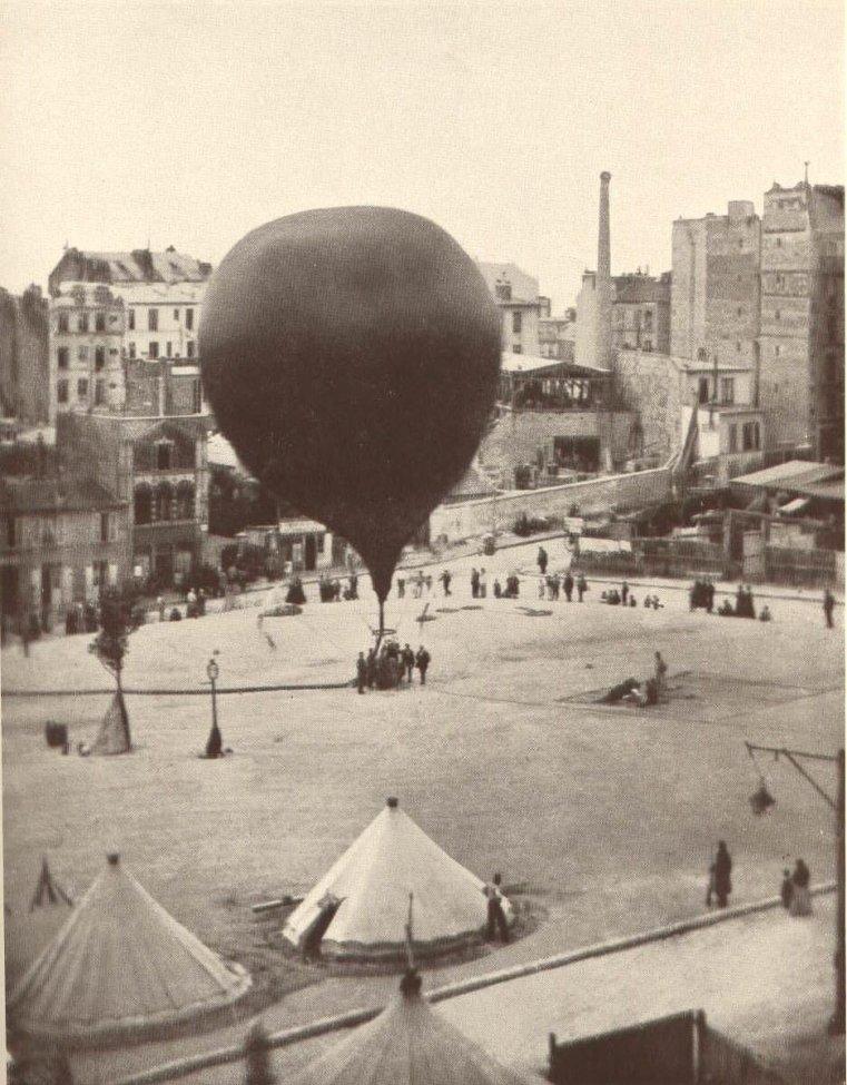 Siege_of_Paris_1870_Balloon.jpg