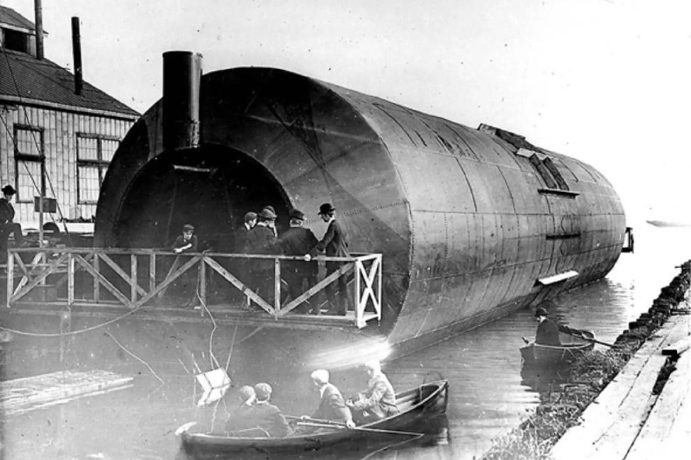 The_Knapp_roller_boat.jpg