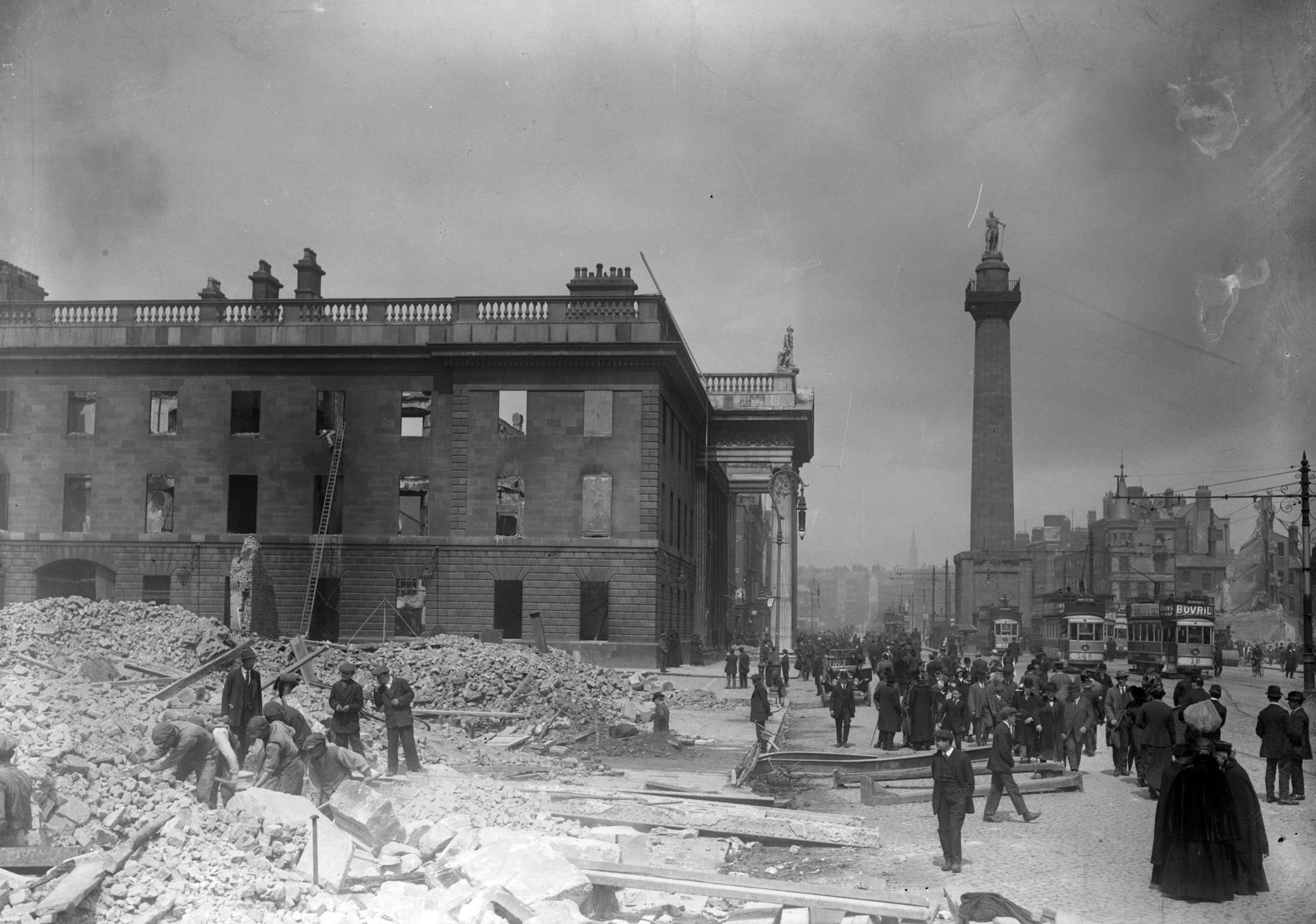 The_shell_of_the_G.P.O._on_Sackville_Street_after_the_Easter_Rising.jpg