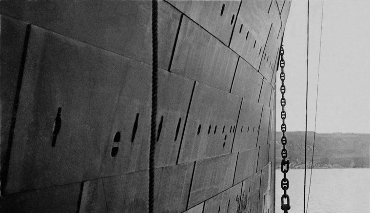 Titanic_last_anchor_rasing-2.jpg