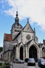 Gray_-_Basilique_Notre-Dame_02.jpg