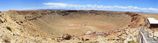 1024px-Meteor_Crater_Panorama_near_Winslow,_Arizona,_2012_07_11.jpg