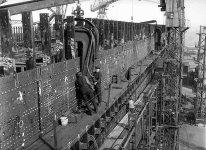 installing_rivets_in_titanic.jpg