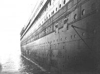 Titanic_rivets_no_rivets_2.jpg