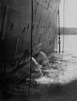 Titanic_last_anchor_rasing.jpg