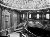 Saloon_on_the_Titanic.jpg