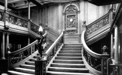 Saloon_on_the_Titanic_1.jpg