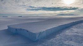 ice_wall_1_2.jpg