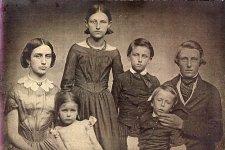 Davis family 1850.jpg